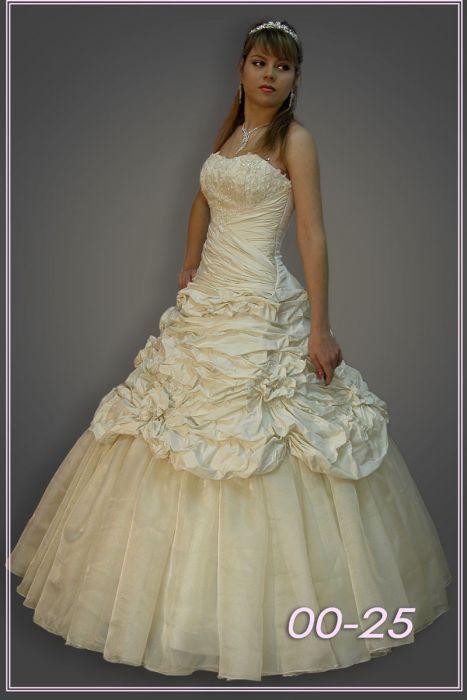 Свадебные платья оптом от