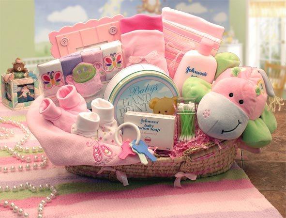 Оформление подарка новорожденному своими руками